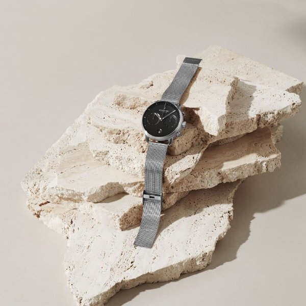 Pioneer 黑色表盘手表