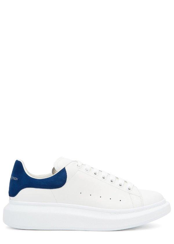 墨蓝尾小白鞋
