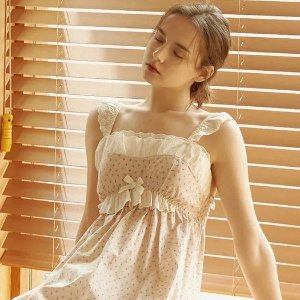 低至5折+额外9折 收情侣款即将截止:WConcept 仙女睡衣家居服专场 封面梦幻睡裙$56