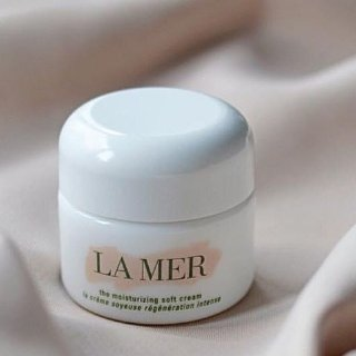Up to $160 OFFWith La Mer purchase @ Cos Bar