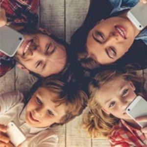$50 买手机送4GB数据+无限通话短信2台 认证二手Moto E 智能手机 送 全新FreedomPop Family Mobile Phone Plan