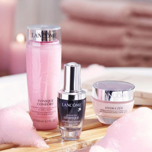 11 Pieces Gift + Free ShippingPurchase of $120 or More @ Lancome