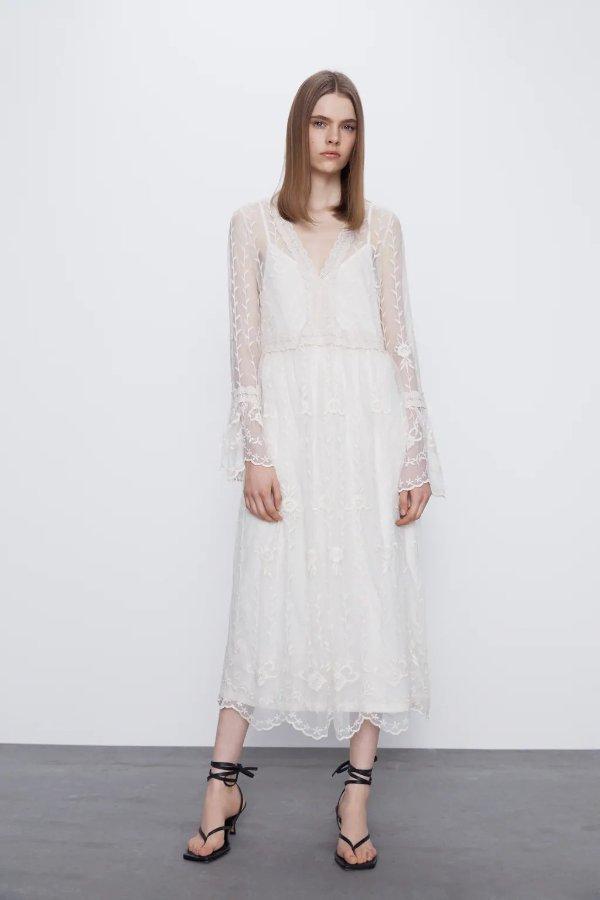 V领刺绣连衣裙
