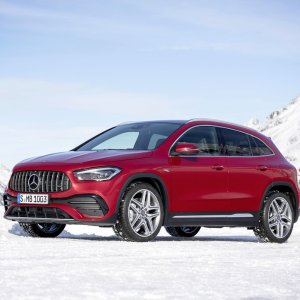 百万销量奔驰换代2021 Mercedes GLA SUV 发布