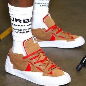 定价$160 部分码全手慢无:Nike Blazer Low x sacai 棕红配色补货