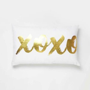 XOXO Pillow – Dormify