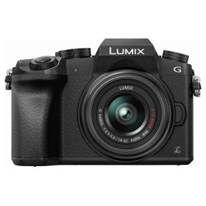 PANASONIC LUMIX G7 Mirrorless Camera + 14-42mm O.I.S. Lens