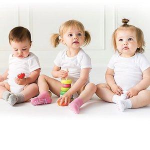低至5折 2档购物券可选低价购买 Non-Slip Grip Socks 官网购物券 从婴儿到成人码都有