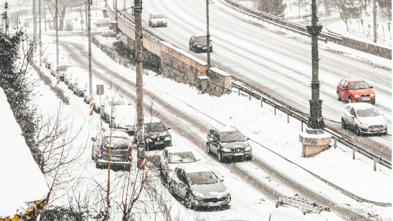 加拿大暴风雪生存手册:雪暴囤货、雪中挖车、雪地开车指南......