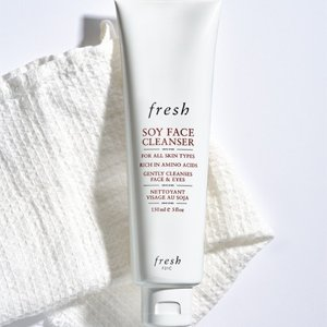 Fresh15% off 125Soy Makeup Removing Face Wash