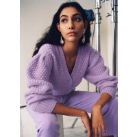 紫色针织开衫