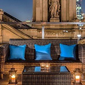 £24起 北伦敦顶层户外花园cocktailCourthouse奢华酒店鸡尾酒套餐£24.95起 探店打卡好去处