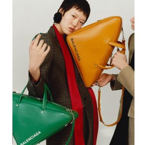 独家7折 新设计也参加TESSABIT 巴黎世家美衣鞋包配饰热卖