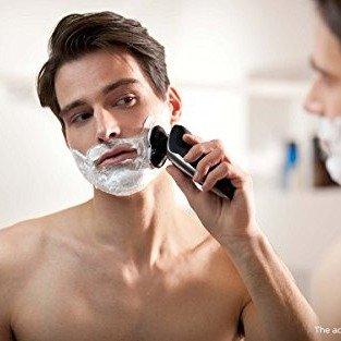 飞利浦 9700 旗舰男士电动剃须刀 带清洁桶+洗脸刷