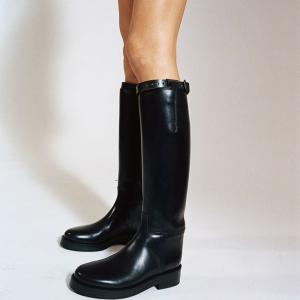 无门槛6折 £216收OW箭头运动鞋SW、Bally、MM 黑五惊喜折扣 穿上最仙的鞋做最美的人