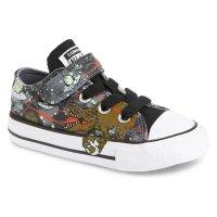 Converse Chuck Taylor童鞋