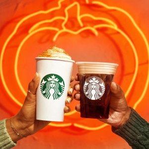 南瓜芝士玛芬、烤饼、面包片上新:Starbucks 秋季限定 南瓜星冰乐、奶油冷萃、脆苹果咖啡