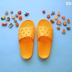 橘色仅€9 超过10种糖果可选Crocs 家具拖鞋 贴合脚型 超级防滑 居家度假都可以