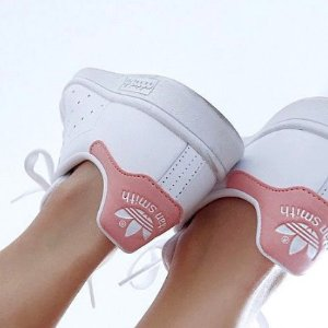 $39-$50 人气C80小白鞋$39adidas originals 小白鞋特卖 $42收Stan Smith黄尾巴