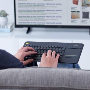 €21.99(原价€44.99)Logitech K400 Plus 罗技无线键盘 带触摸板 在家办公学习也不慌