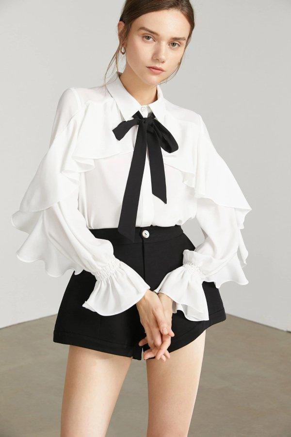 白色蝴蝶结上衣
