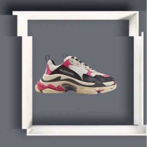 全场5折起 £455收Triple S老爹鞋春夏配色Balenciaga 私密大促正式开跑 收老爹鞋、机车包、卫衣毛衣等爆款单品