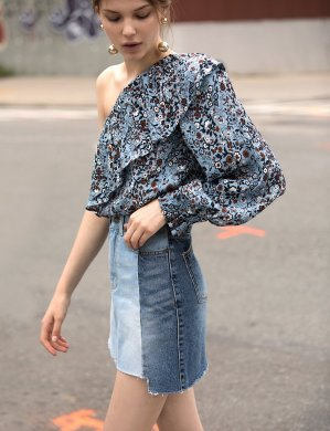 Up to 60% Off + Extra 40% OffWoman Clothes Sale @ Pixie Market