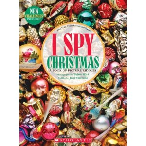 I Spy Christmas: A Book of Picture Riddles|Hardcover