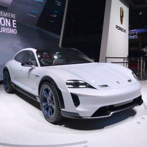 现在与未来的碰撞2018日内瓦国际汽车展 热门车型盘点