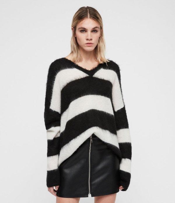 v领条纹毛衣
