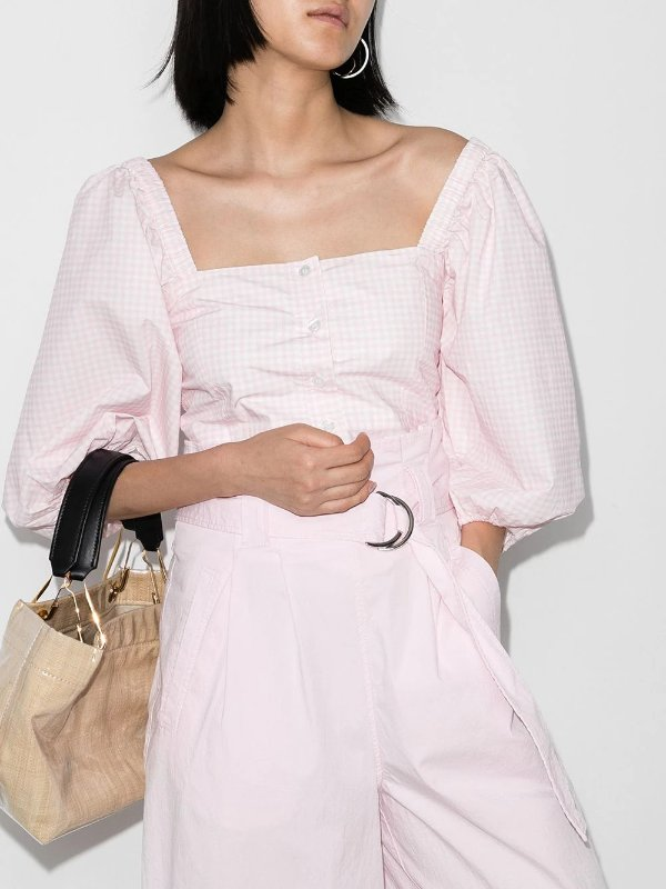 粉色方领泡泡袖上衣