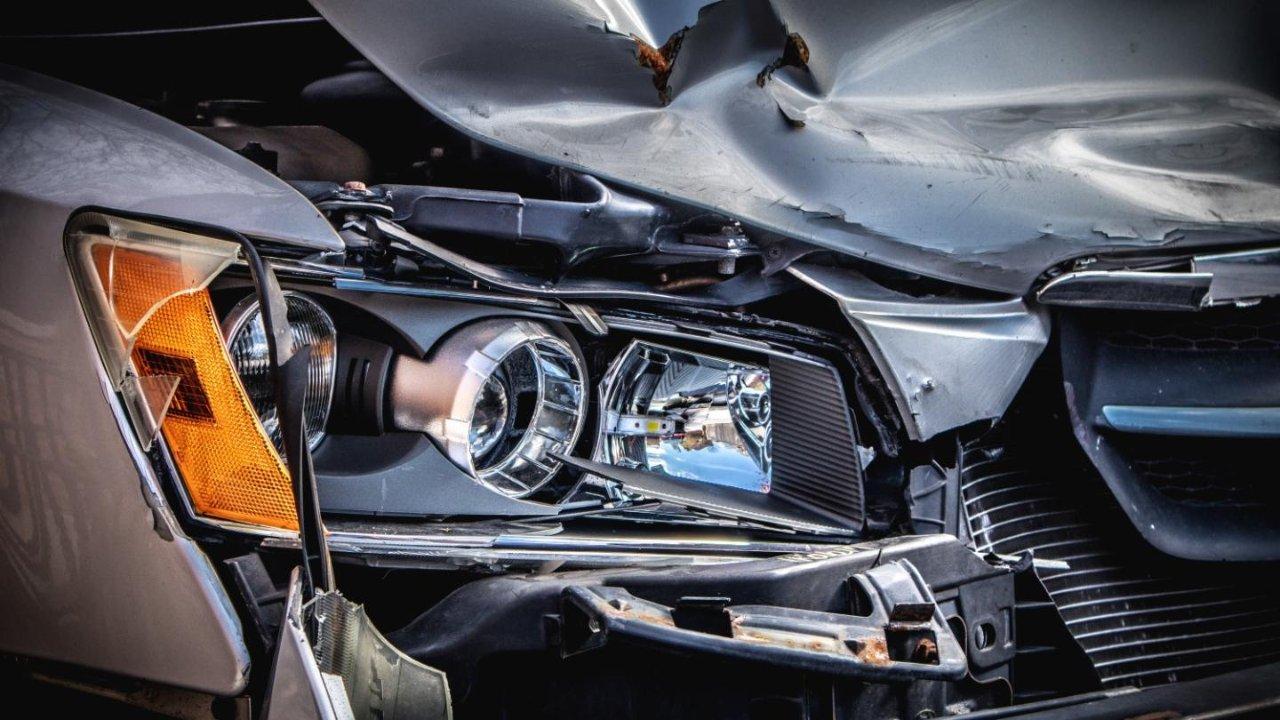 洛杉矶车祸律师细心分析:为什么必须要为您的车祸理赔聘请车祸律师?