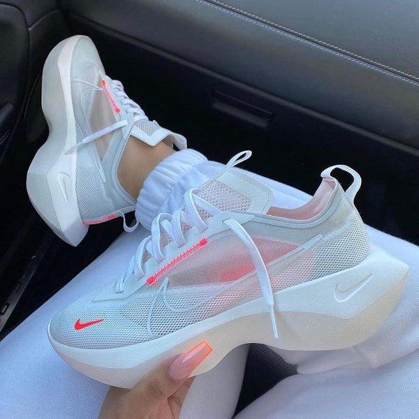 Vista Lite 女款运动鞋