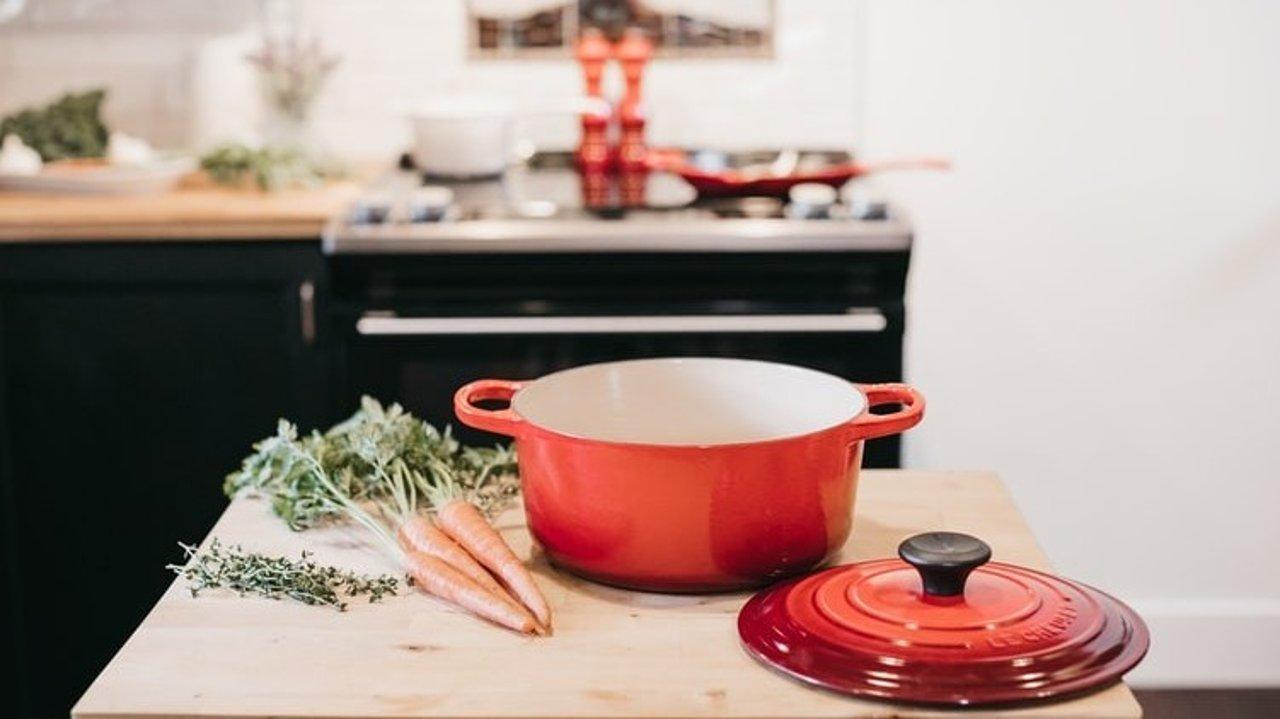 这口万能锅你还没拥有吗!铸铁锅食谱,让你做0失败又好吃的料理 | 附开锅&养锅方法