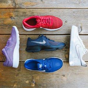 任选两双 $60Nike 儿童运动鞋热卖 多款可选