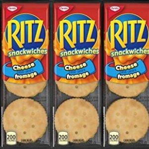 售价$1.99(Walmart售价$3.47)Ritz Crackers 芝士夹心饼干304g 浓浓芝士香 宅家看剧必备