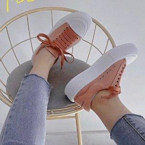 Alexander McQueen樱花粉帆布鞋