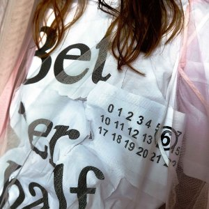 低至5折折扣升级:MM6 Maison Margiela 精选潮衣热卖 LogoT恤$74收