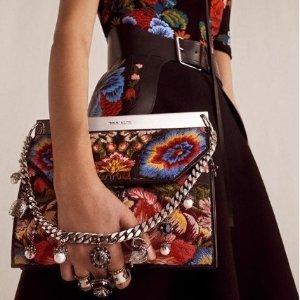 $300收新款卡包 $295收围巾Alexander McQueen 专场新品上市 收小白鞋、围巾、配饰