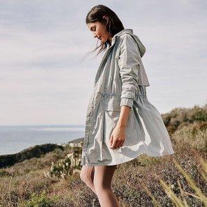 低至5折 $69收长款夹克外套Lululemon 男女夹克  防风衣等 秋冬必备 $139收羽绒服