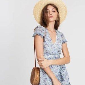 低至7折 + 额外7.5折 个性小众设计The Iconic 精选美裙热卖 超美Alice McCALL必收