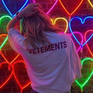 低至3折+额外8折 收卫衣Vetements 最酷潮流美衣、美鞋热卖