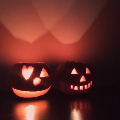一起做个独一无二的南瓜吧Halloween 万圣节怎么少的了南瓜灯 超简单教程来了