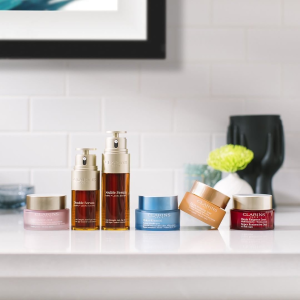 Dealmoon Double 12 Exclusive!FREE 12-Piece Gift with any $125+  @ Clarins