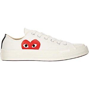Comme des Garcons PlayChuck Taylor 红心运动鞋