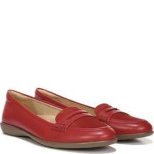 Naturalizer时髦小红鞋~Finley 平底小红鞋