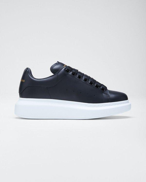 黑色运动鞋