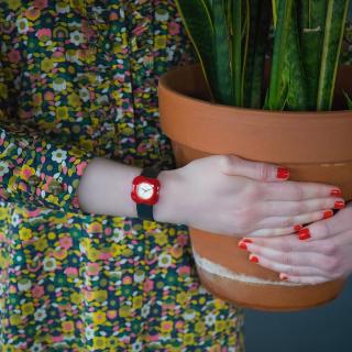 ¥314(国内¥800+)史低价:Orla Kiely 英国小众花朵女表 溢出屏幕的童真