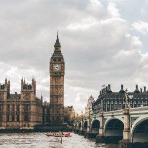 含税低至$378迈阿密至英国伦敦往返直飞机票超低价