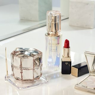 Up to $550 OffEnding Soon: Bergdorf Goodman Cle de Peau Beaute